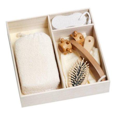 Fürdő ajándék készlet 5 részes, fa dobozban,  masszírozóval, habkővel